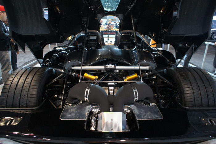 koenigsegg working on new power unit 1 5 the size of a veyron engine shifting lanes. Black Bedroom Furniture Sets. Home Design Ideas