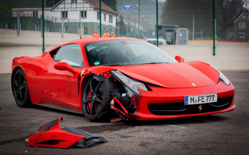 ferrari-crash