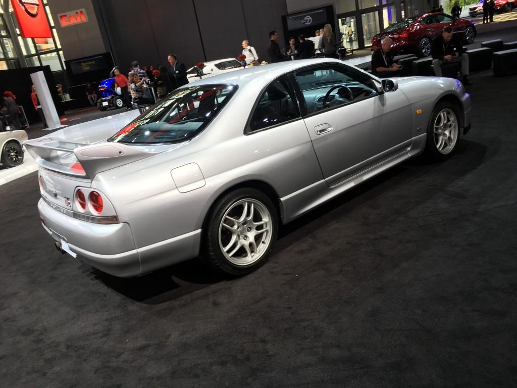 GTR-r33-1