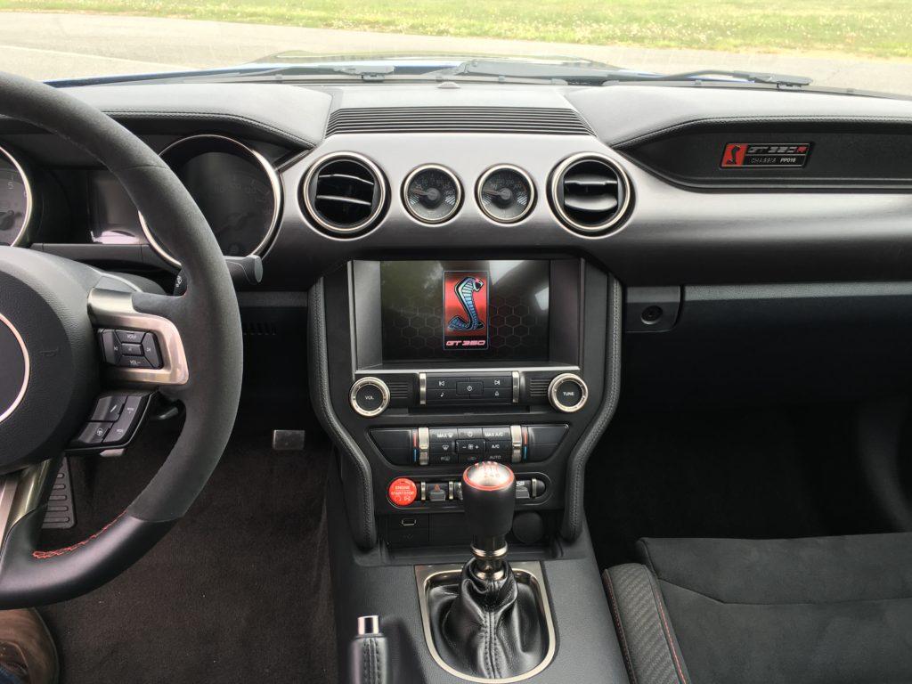 GT350-interior-1