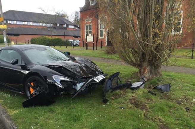 McLaren-650S-crash