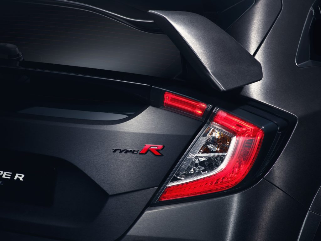 civic-type-r-prototype-breaks-cover-in-paris-7