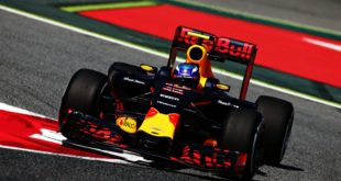 """F1: Red Bull Racing Shows Us """"The Life Of A Bolt"""""""