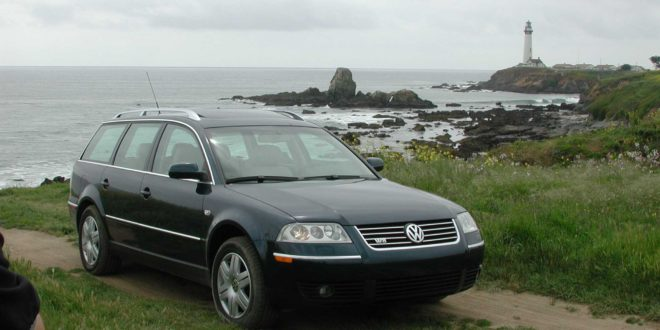 passat w8 the wagon with half a veyron engine shifting lanes. Black Bedroom Furniture Sets. Home Design Ideas