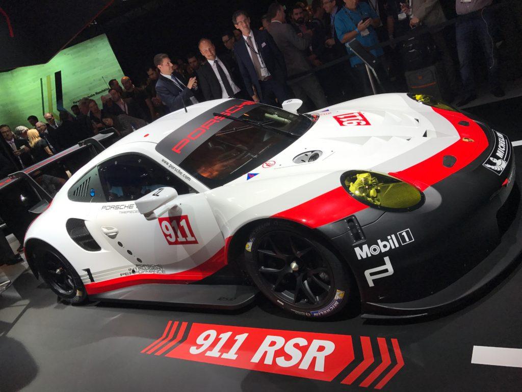 2016-la-auto-show-porsche-911-rsr