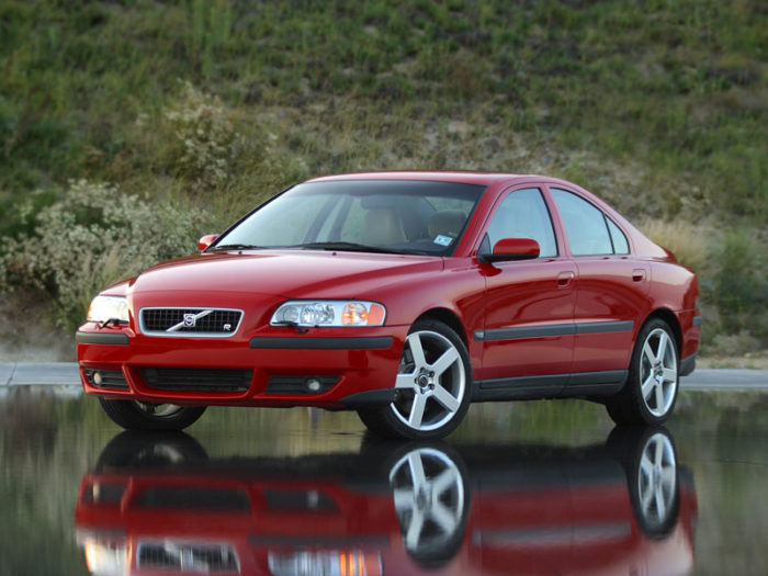 The Volvo S60R Is A Misunderstood Beast | Shifting Lanes