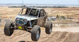 King of the Hammers: When Rock Crawling Meets Desert Blasting